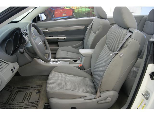 Image 2 of 2008 Chrysler Sebring…