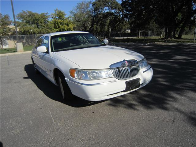 2000 Lincoln Town Car Signature - San Antonio TX