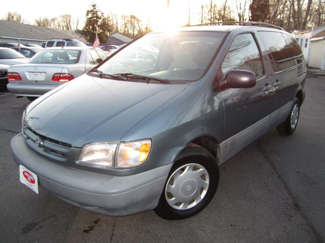1999 Toyota Sienna - MANASSAS, VA