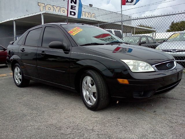 2006 FORD FOCUS ZX4 SES black air conditioningalloy wheelsamfm radioanti-brake system non-abs