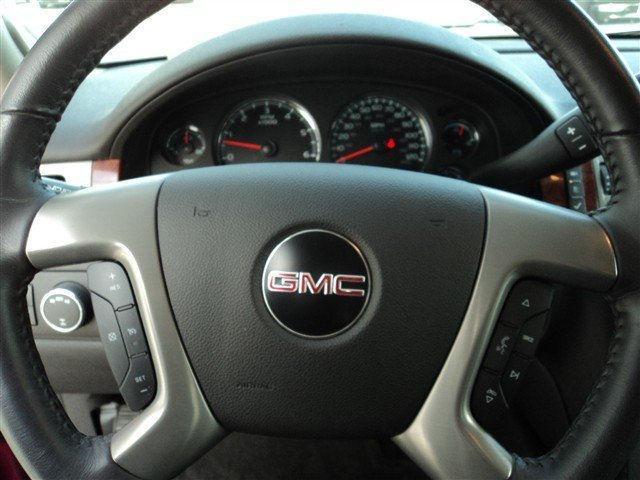 Image 6 of 2011 GMC Yukon SLE 8-Cylinder…