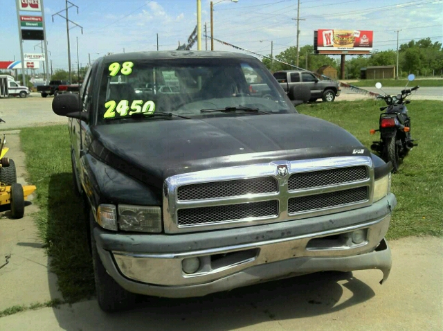1998 Dodge Ram 1500 Base - Topeka KS