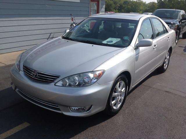 2005 Toyota Camry - Cedarville, IL