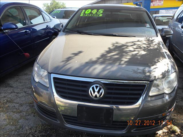 2006 Volkswagen Passat 2.0T - Houston TX