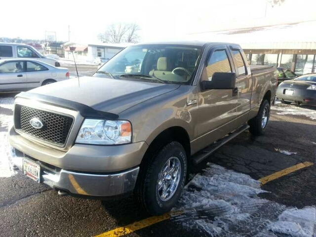 2005 Ford F150 XLT SuperCab 4WD - White Bear Lake MN
