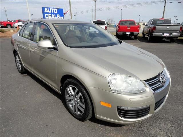 2006 VOLKSWAGEN JETTA 25L gold come and check it out today lowest prices in the state you wont