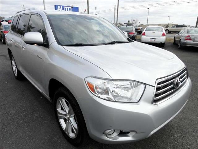 2008 TOYOTA HIGHLANDER FWD LIMITED silver come and check it out today lowest prices in the state