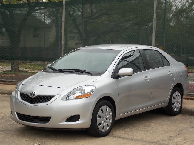 2012 TOYOTA YARIS SEDAN 4-SPEED AT silver  all internet prices are reduced for cash cashiers 