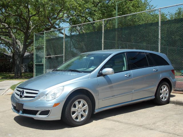 2006 MERCEDES-BENZ R-CLASS R350 sky bleu  all internet prices are reduced for cash cashiers c