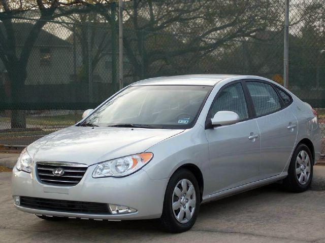 2008 HYUNDAI ELANTRA silver  all internet prices are reduced for cash cashiers check or same