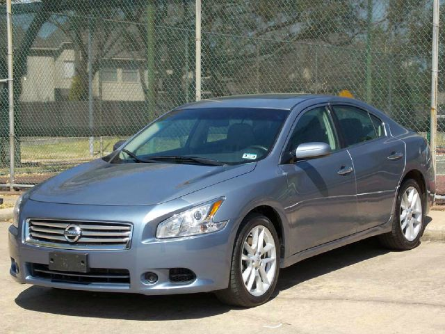 2012 NISSAN MAXIMA silver  all internet prices are reduced for cash cashiers check or same as