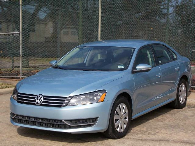 2012 VOLKSWAGEN PASSAT 25L S WAPPEARANCE blue  all internet prices are reduced for cash cash