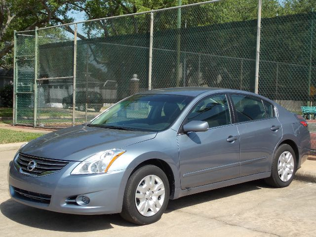 2012 NISSAN ALTIMA 25 S bleu  all internet prices are reduced for cash cashiers check or sam