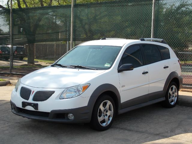 2008 PONTIAC VIBE BASE white  all internet prices are reduced for cash cashiers check or same