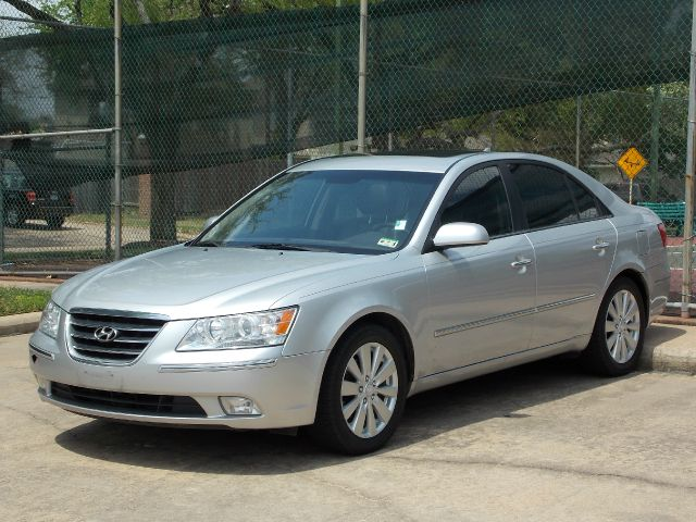 2009 HYUNDAI SONATA LIMITED V6 silver  all internet prices are reduced for cash cashiers chec