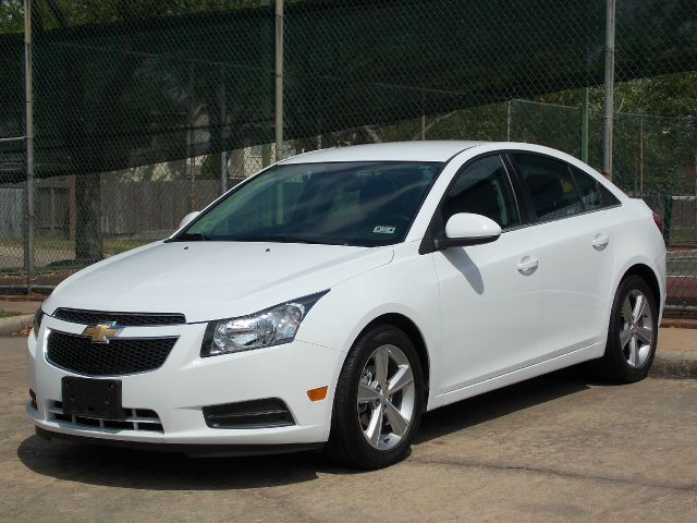 2013 CHEVROLET CRUZE 2LT white  all internet prices are reduced for cash cashiers check or sa