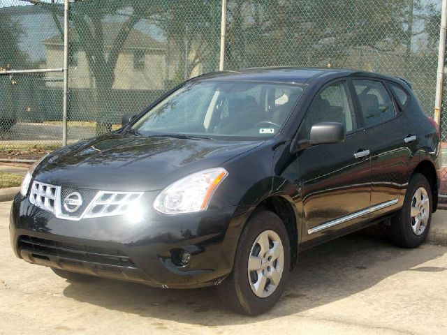 2013 NISSAN ROGUE S 2WD black  all internet prices are reduced for cash cashiers check or sam