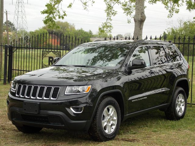 2014 JEEP GRAND CHEROKEE LAREDO 2WD black  all internet prices are reduced for cash cashiers
