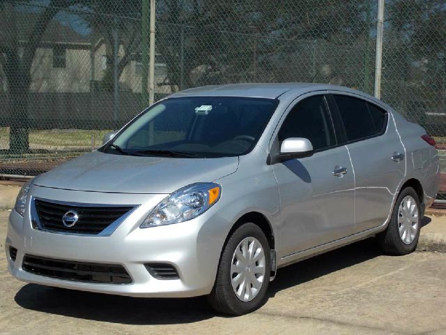 2012 NISSAN VERSA 16 SV SEDAN silver  all internet prices are reduced for cash cashiers chec