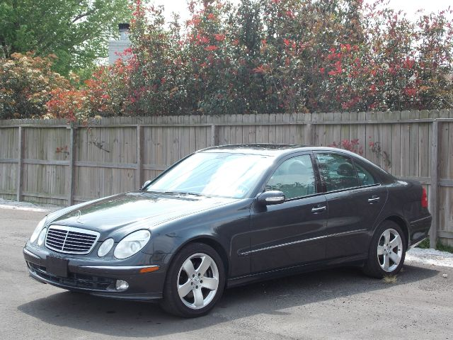 2003 MERCEDES-BENZ E-CLASS E500 black  all internet prices are reduced for cash cashiers chec