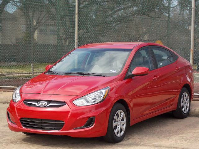 2012 HYUNDAI ACCENT GLS 4-DOOR red  all internet prices are reduced for cash cashiers check o