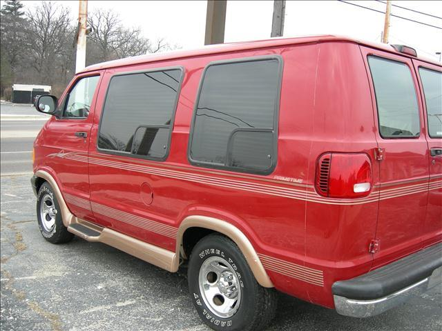 2000 Dodge Ram Van - North Aurora, IL
