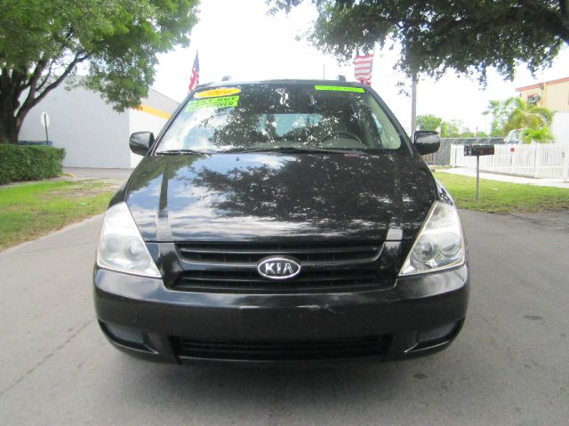 2006 KIA SEDONA EX black this reliable vehicle seeks the right match my my my what a deal