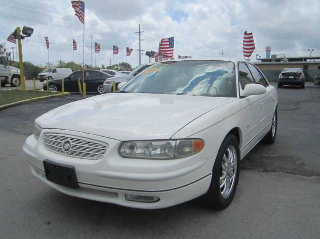 2001 BUICK REGAL LS white regal ls and 38l v6 sfi what are you waiting for right car right pr