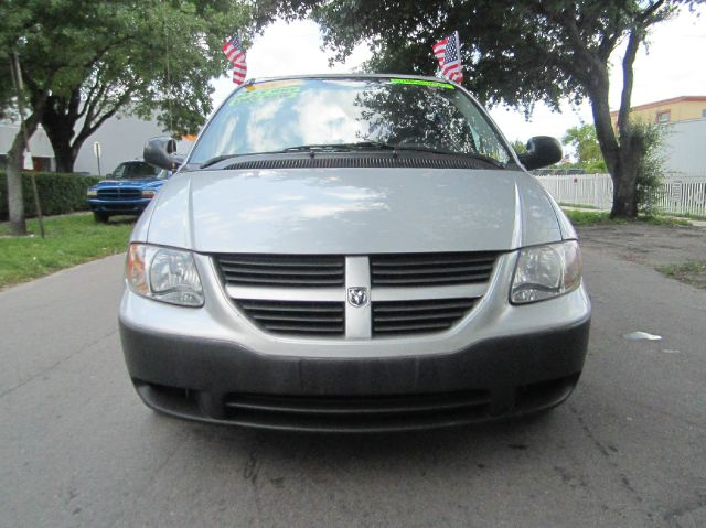 2007 DODGE CARAVAN SE silver need gas i dont think so at least not very much 26 mpg hwy this