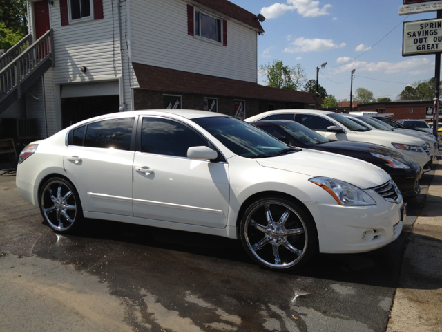 2012 Nissan Altima With 20 Inch Rims