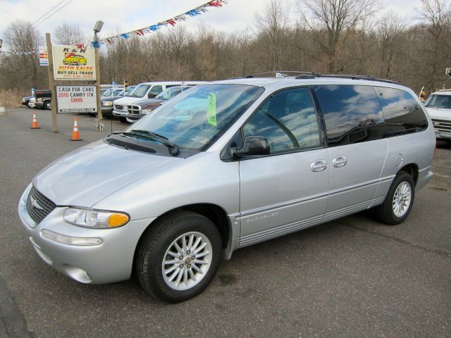 Tothego - 2000 Chrysler Town Country_1