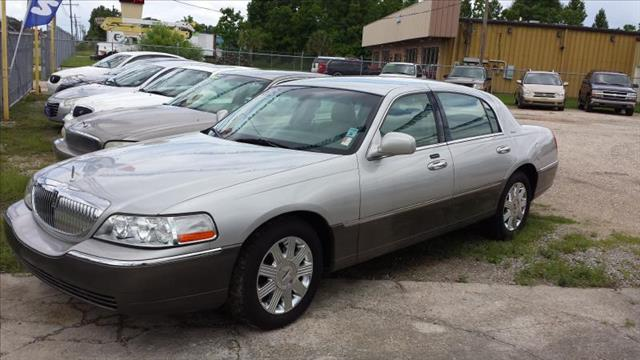 2004 LINCOLN TOWN CAR ULTIMATE silver we have 3 locations with over 150 cars trucks vans and suv