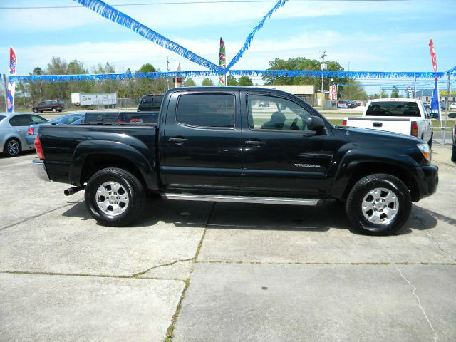 2005 TOYOTA TACOMA PRERUNNER DOUBLE CAB V6 AUTOMA black this tacoma is in great condition power w