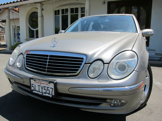 2005 MERCEDES-BENZ E-CLASS E500 pewtercharcoal ready for summer clean carfax clean car financ