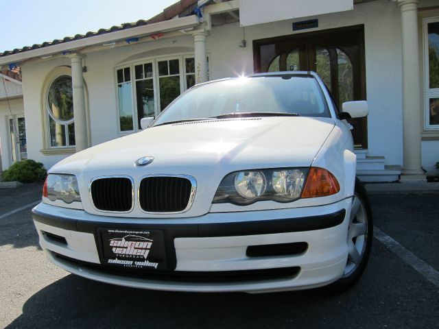 2001 BMW 3 SERIES 325I white super clean low mileage car clean car fax very nice car call 408 41